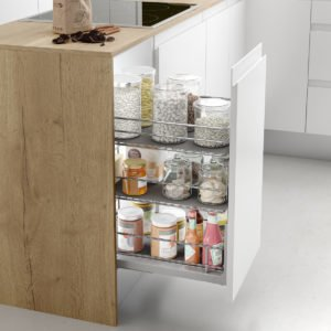 Pull-out pantry basket CLASSIC