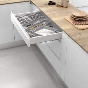 Cutlery tray drawer