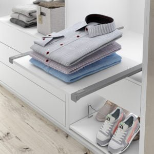 Pull-out shelf set