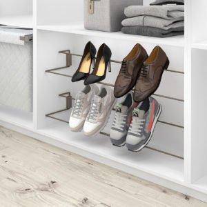 Adaptable shoe holder