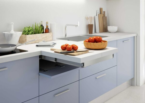 Flip Top – Pull-out worktop flush with cabinet top